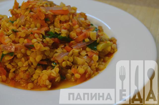 Чечевица тушеная с овощами