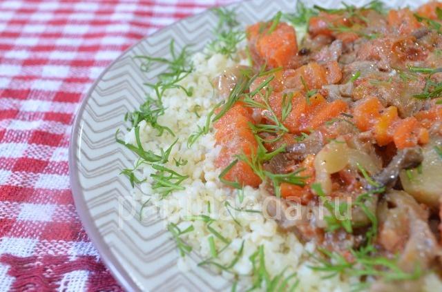Грибная подлива со сметаной и томатом готова