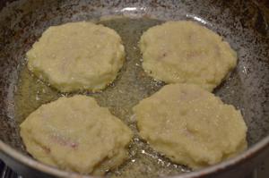 Картофельные оладьи с мясом, ленивые драники
